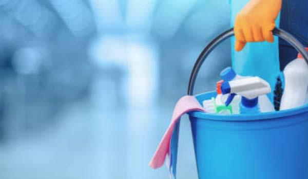 Menyediakan jasa bersih-bersih